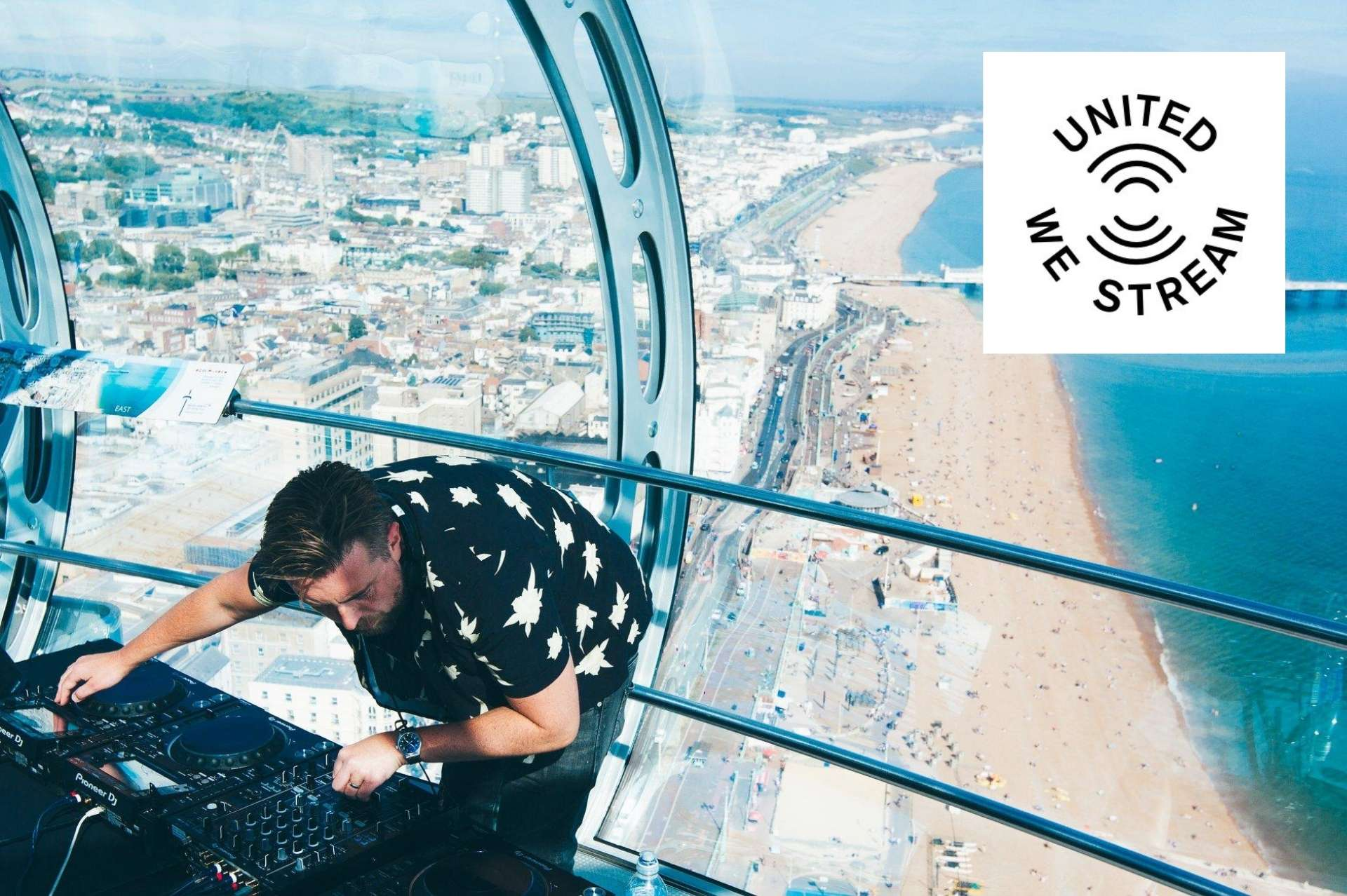 Brighton Dj playing live at the i360